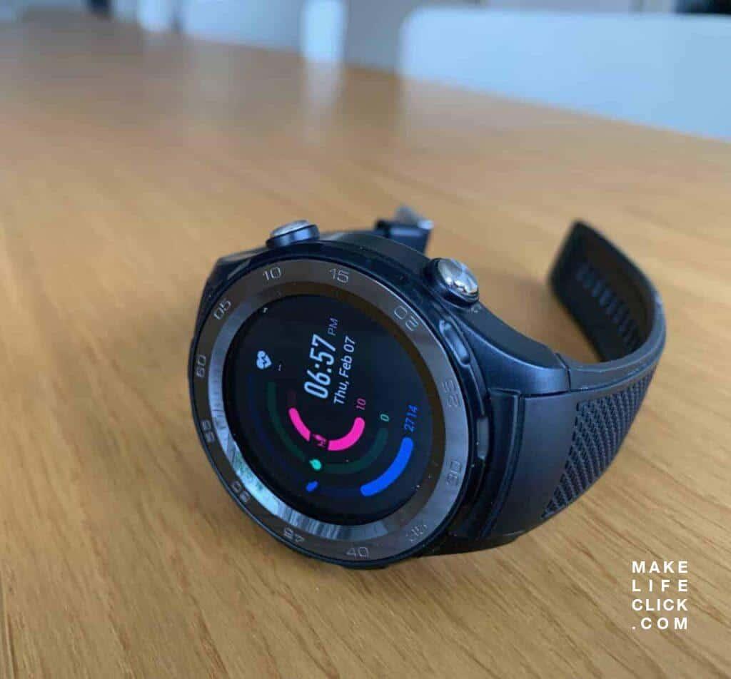 Huawei Watch 2 Sport LTE with Huawei Health watch face