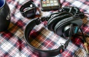 Best Headphones Under $500 - makelifeclick.com